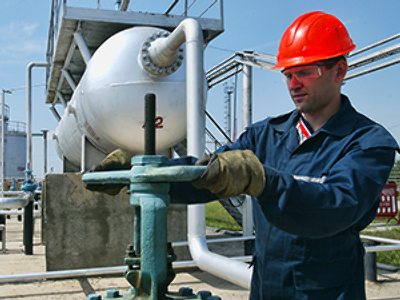 TNK-BP posts 1Q 2010 net profit of $1.274 billion.