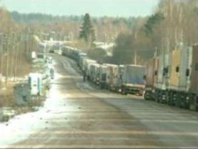 Trucks snarl up hits Latvia-Russia border crossing