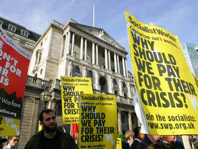Protestors from the Socialist Workers Party demonstrate against the financial crisis outside the Bank of England in London, on October 10, 2008.  (AFP Photo / Geoff Caddick)