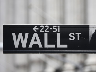 US corporations cut investment to recession level on fiscal fears
