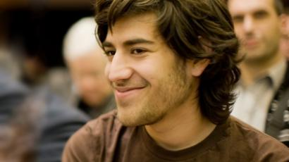 US court drops charges on Aaron Swartz days after his suicide