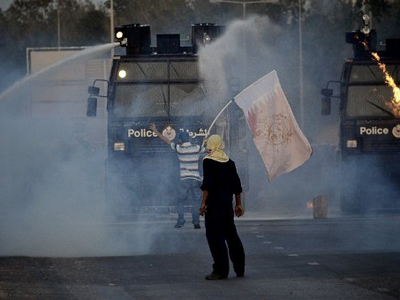 Bahraini police disperse crowd of hunger striker's supporters (PHOTOS)