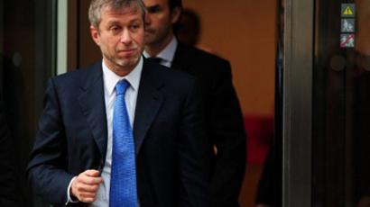 Chelsea Football Club owner Roman Abramovich is pictured during a break in proceedings at the High Court in London, on November 2, 2011 (AFP Photo / Leon Neal)