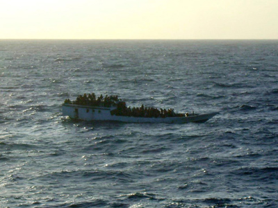 Packed asylum-seeker boat sinks en route to Australia