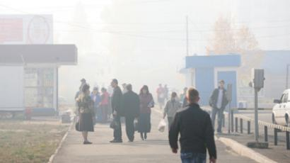 The streets of Bratsk blanketed by smoke from forest fires, October 1, 2011 (RIA Novosti / Gennady Taraskov)