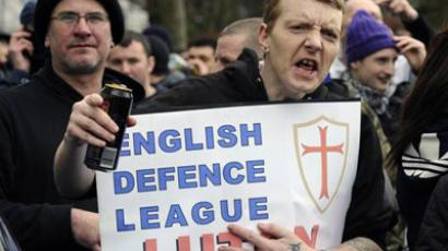 A supporter of the English Defence League gestures during a demonstration in Luton, February 5, 2011. (Reuters / Paul Hackett)