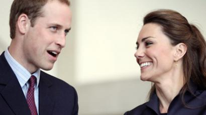 Prince William (L) and his fiancee Kate Middleton (AFP Photo / Adrian Dennis / WPA Pool / AFP)