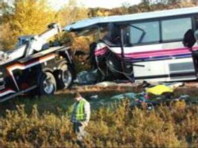 Bus falls from bridge in U.S., at least 6 dead