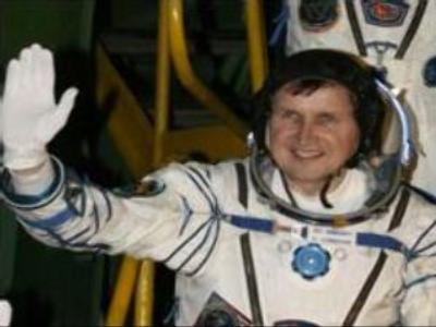 Charles Simonyi already on ISS