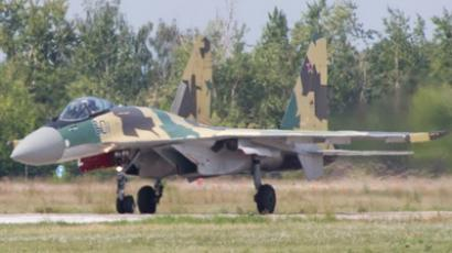 Sukhoi Su-35 fighter (image from http://nikultsev.livejournal.com/)