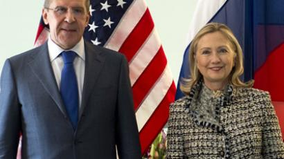 US Secretary of State Hillary Clinton (R) and Russian Foreign Minister Sergei Lavrov AFP Photo/Pool/Jim Watson)