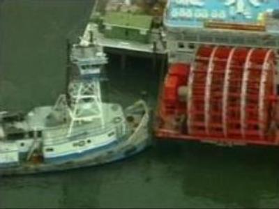 Damaged cruise ship on its way to Juneau