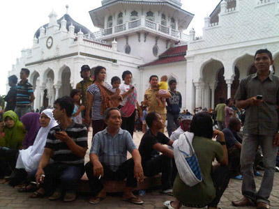 Indonesia quake: LIVE UPDATES