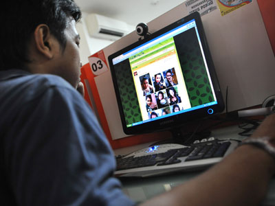 Egypt bans online porn, causing split in society