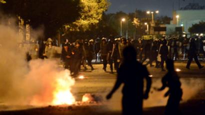 Tear gas, water cannons as Egyptians throw stones at presidential palace (PHOTOS)