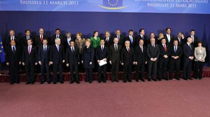 EU leaders pose for a family photo during an extraordinary EU summit focused on Libya, on March 11, 2011 (AFP Photo / Jean-Christophe Verhaegen)