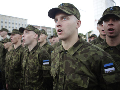 Estonia's army soldiers sing during the world's first digital song festival marking the anniversary of the restoration of Estonia's independence, in Tallinn (Reuters/Ints Kalnins)