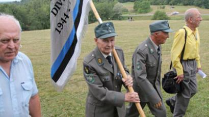 Veterans of 20th Waffen Grenadier Division of the SS (1st Estonian) meet on the Sinimaed hills (RIA Novosti / Alexei Olis'ko)