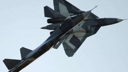 Russian first stealth fighters T-50 performs during MAKS-2011, the International Aviation and Space Show, in Zhukovsky, outside Moscow, on August 17, 2011 (AFP Photo / Dmitry Kostyukov)