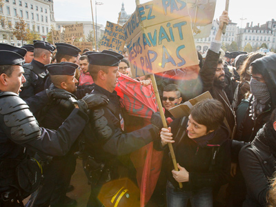 Over 100,000 French protesters rally against gay marriage, adoption (PHOTOS)