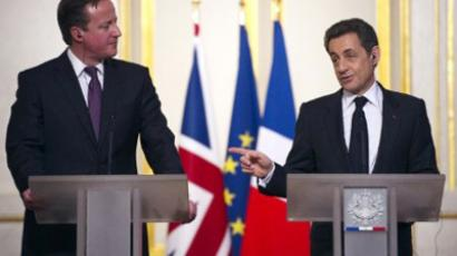 Nicolas Sarkozy (R) and David Cameron (AFP Photo / Lionel Bonaventure)