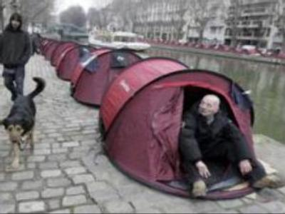 French homeless claim their rights