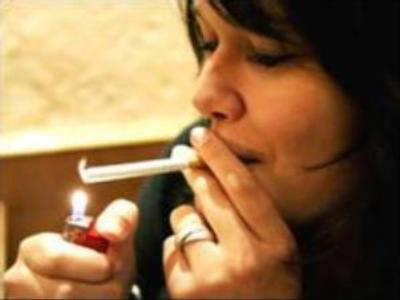 French to lose freedom to smoke