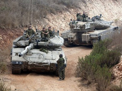 Israeli tanks incur into Gaza, Palestinians injured – report