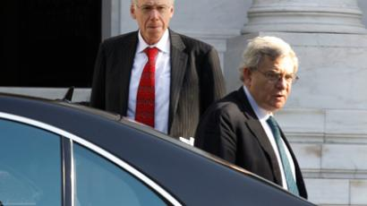 Head of the Institute of International Finance (IIF) Charles Dallara (L) and his colleague Jean Lemierre leave the Greek Prime minister's office in Athens January 20, 2012 (Reuters / Yiorgos Karahalis)