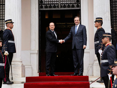 Greece welcomes Hollande with 'news blackout'