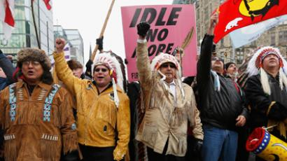 First Nations protesters march towards Parliament Hill before the start of a meeting between chiefs and Canada's Prime Minister Stephen Harper in Ottawa January 11, 2013 (Reuters / Chris Wattie)