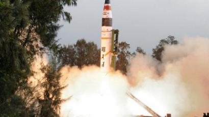 Long range missile being fired off from a mobile launcher from Wheeler Island, off the coast of India, in the Indian state of Orissa. India on April 19, 2012 (AFP Photo / Defence Ministry of India)