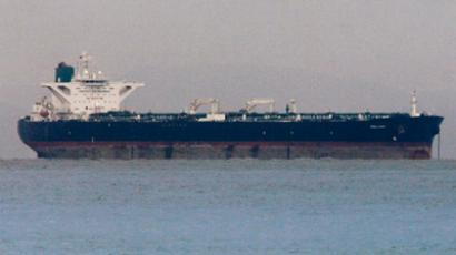 "Iranian crude oil supertanker ""Delvar"" (Reuters/Tim Chong)"