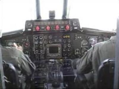 Indonesia to retrieve jet 'black boxes'