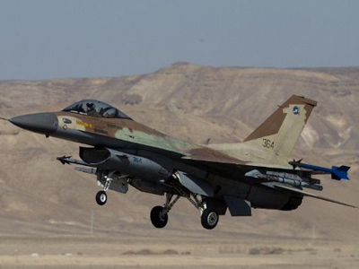 Israeli Air Force fighter F-16C taking off from the Uvda Air Force base in the southern Israel (AFP Photo / Menahem Kahana)
