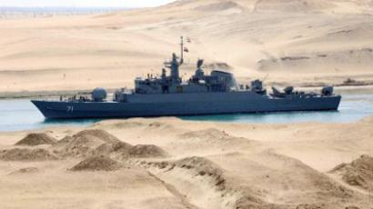 Iranian patrol frigate Alvand transits through the Suez Canal on February 22, 2011. (AFP PHOTO/STR)