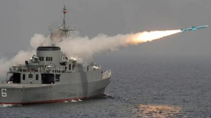 A Nour missile is test fired off Iran's first domestically made destroyer, Jamaran, on the southern shores of Iran in the Persian Gulf March 9, 2010 (Reuters / Ebrahim Noroozi / IIPA)