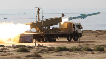 An Iranian long-range shore-to-sea missile called Qader (Capable) is launched during the Velayat-90 war game on the Sea of Oman's shore near the Strait of Hormuz in southern Iran January 2, 2012 (Reuters / Jamejamonline / Ebrahim Norouzi)