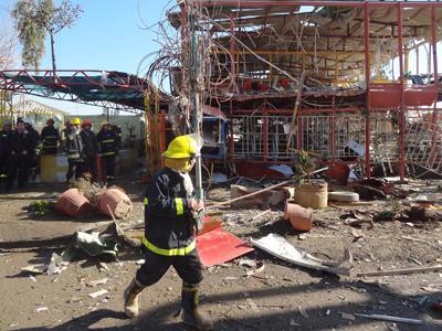 Dozens killed as suicide bomber, gunmen attack police HQ in northern Iraq (PHOTOS)