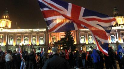 Loyalist protesters gather at Belfast City Hall during a city council meeting in Belfast, Northern Ireland on January 7, 2013. (AFP Photo/Peter Muhly)