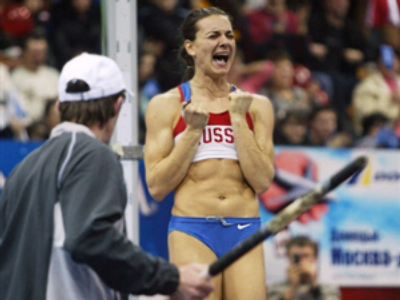Isinbayeva sets two records in one day