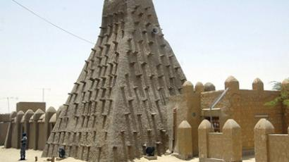 A file picture taken on May 2, 2010 shows the Islamic center and a mosque in Timbuktu (AFP Photo/Habib Kouyate)