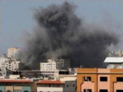 Israel steps up attacks on Hamas