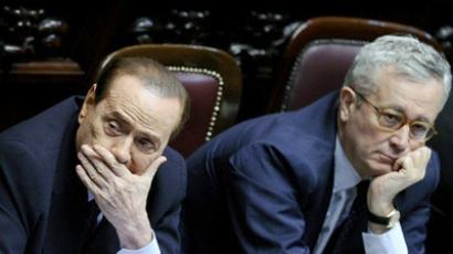 Italy, Rome : Italian Prime Minister Silvio Berlusconi and Finance Minister Giulio Tremonti attend a meeting inside the Parliament in Rome on July 15, 2011. (AFP  Photo / Filippo Monteforte)