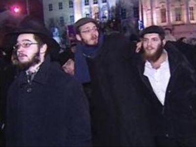 Jews gather in Moscow to celebrate Hanukkah