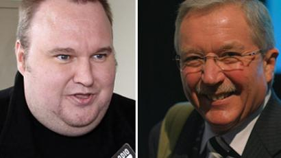 Kim Dotcom (R) (AFP Photo/Michael Bradley) and Judge David Harvey (Photo from Flickr/Andrew McMillan)