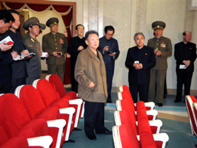 Kim Jong Il in Pyongyang Grand Theatre in Pyongyang (AFP Photo / KCNA via KNS)