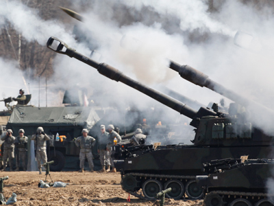 US Army M109A6 Paladin self-propelled howitzers of the Second Infantry Division of the US Forces Korea attend a live firing drill at the US army's Rodriguez range in Pocheon, South Korea (AFP Photo / Kim Hong-Ji / Pool)