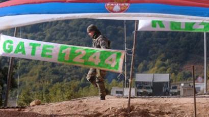 A French KFOR soldier patrols at the closed Serbia-Kosovo border crossing of Brnjak in Serb-majority northern Kosovo on October 17, 2011 (AFP Photo / Alexa Stankevic)