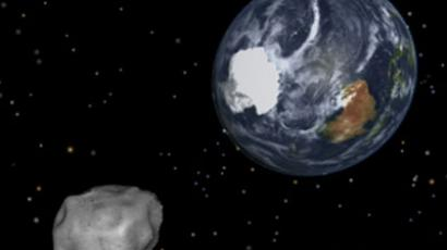 An artist's rendition of the nearest approach of asteroid 2012 DA14 to Earth is shown in this NASA handout still frame from an animated video obtained by Reuters February 8, 2013.(AFP Photo / NASA)